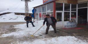 40 Köy Yolu Ulaşıma Kapandı
