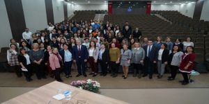 Rektör Budak, Hemşirelik Fakültesi Akademisyenlerini Tebrik Etti