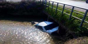 Söke'de Otomobil Sulama Kanalına Uçtu