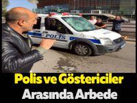 Göstericiler Polis Araçlarına Saldırdı
