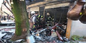 Elektrik sobası tutuşunca tüpler patladı, dükkan alev alev yandı