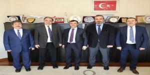 Sağlık Bakanlığı Kamu Hastaneleri Genel Müdürü Prof. Dr. Rahmi Kılıç, Erü Rektörü Çalış'ı Ziyaret Etti