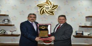 Başkan Alıcık'tan Nto Başkanı Arslan'a Teşekkür Plaketi