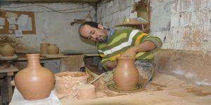 Karı-koca Çamuru Sanat Eserine Dönüştürüyor
