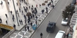 Kent Meydanında Tekme Tokat Kavga Anı Kamerada