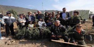 Karşıyaka'nın 'Kentsel Dönüşüm Ormanı'na Bin 500 Fidan