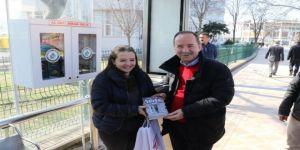 Edirne'de Minibüs Duraklarında 'Al Oku, Bırak Okut' Projesi Hayata Geçirildi
