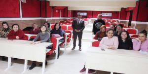 Burhaniye'de Okul Servisi Görevlilerine Eğitim Verildi