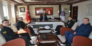 Savaş Gemisi Komutanından Kaymakam Taşdan'a Ziyaret
