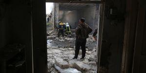 Esed rejimi İdlib'de sivilleri vurmaya devam ediyor