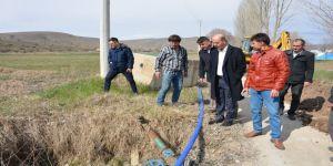 Başkan Bozkurt, İçme Suyu Şebeke Hattı Döşeme Çalışmalarını Yerinde İnceledi