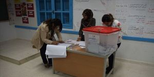 Tunus siyasetinde Körfez gölgesi
