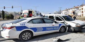 Burdur'da Trafik Polisleri Kaza Yaptı: 4 Yaralı