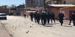 İki Ailenin Taşlı Kavgasına Polis Müdahale Etti