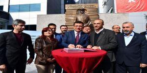 İmamoğlu, İşçilerle Toplu İş Sözleşmesi İmzaladı