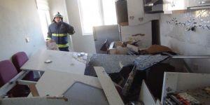Tüpgaz Patlaması Evi Kullanılmaz Hale Getirdi, Vatandaşları Sokağa Döktü