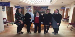 Kadınlar 31 Mart'ta Yönetimde Söz Sahibi Olmak İçin Sahaya Çıktı