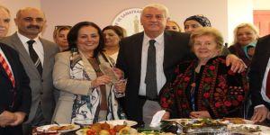 """Süphandağlı'ya """"Yılın En Başarılı Kadını"""" Ödülü"""