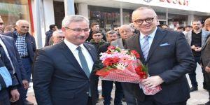 Başkan Ergün Saruhanlı Belediyesini Ziyaret Etti