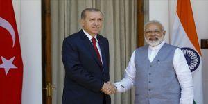 Erdoğan ile Hindistan Başbakanı telefonda görüştü