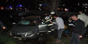 Çarpışan Otomobiller Kanala Uçtu: 7 Yaralı