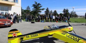GTÜ'de havacılar şov yaptı