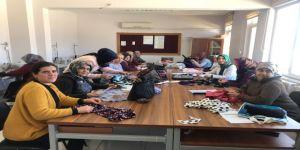 """Sivas'ın Ulaş İlçesinde, Kadınlara Yönelik İşkur Destekli """" Düz Dikiş Makineci """" Kursu Açıldı"""