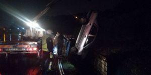 Kontrolden Çıkan Otomobil Su Kanalına Uçtu: 4 Yaralı