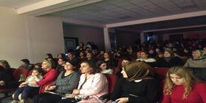 Mercan Kolejinde 8 Mart Etkinliği
