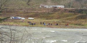 Ordu'da Otomobil Irmağa Uçtu: 1 Ölü, 1 Kayıp