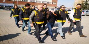İki Gurbetçiyi Fetö/pdy Bahanesiyle Dolandıran 3 Kardeş Tutuklandı