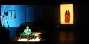 Nihat Zeybekci Kongre Ve Kültür Merkezi'nde İlk Tiyatro Oyunu Sahnelendi