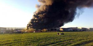 Hadımköy'deki Fabrika Yangını 9 Saattir Devam Ediyor