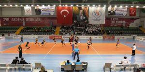 Voleybol 2. Lig Bayanlar Final Müsabakaları Mersin'de Başladı