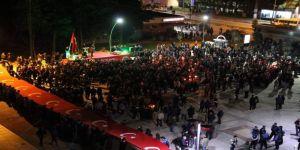Biga'da Vatandaşlar Dev Türk Bayrağı İle Yürüdü