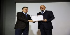 Agü'den Fahri Profesörlük Unvanı