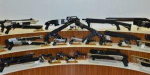Polis çok sayıda silah ele geçirdi