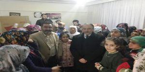 Gezer, Miting Havasında Ev Ziyaretlerini Sürdürüyor