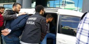 Zehir Tacirleri Ellerindeki Malı Satamadan Yakalandı