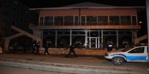 Düğün Salonunda Asma Tavan Çöktü, Faciadan Kıl Payı Dönüldü