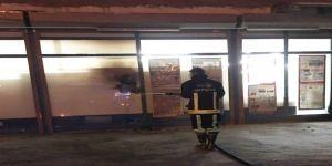 Van'da Bir Markete Molotoflu Ve Ses Bombalı Saldırı
