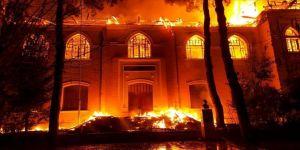 Tarihi okulda yangın