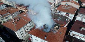 Güngören'de 5 Katlı Apartmanda Çatı Yangını