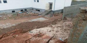 Siirt'te Okulun İstinat Duvarı Çöktü