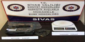 Sivas'ta Uyuşturucu Operasyonlarında 5 Tutuklama