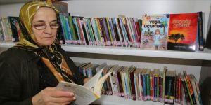İlkokul mezunu Ayşe nine 2 kitap yazdı