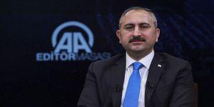 Adalet Bakanı Gül: Firari 107 FETÖ'cünün Türkiye'ye getirilmesi sağlandı