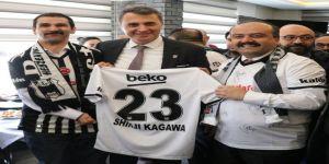 Beşiktaş Aşığı Engelli İsmail, Başkan Orman'la Bir Araya Gelerek En Büyük Hayalini Gerçekleştirdi