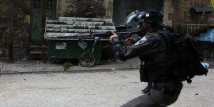 İsrail askerlerinin yaraladığı Filistinli sağlık çalışanı şehit oldu