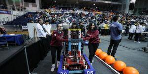 Türk liseleri New York'ta robot yarışmasında boy gösteriyor